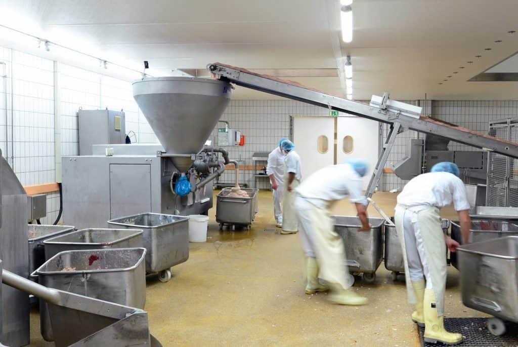 Lebensmittelindustrie Wurstherstellung // Food Industry
